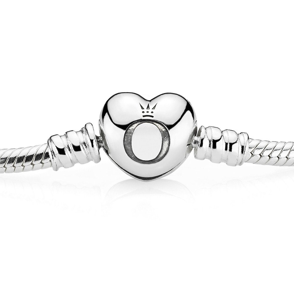 pandora-moments-silver-bracelet-with-heart-clasp-590719-p56921-225500_zoom